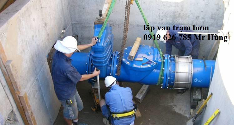 Lắp van trạm bơm cơ khi thủy lợi
